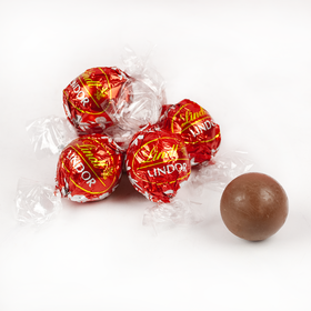Lindor Milk Chocolate Truffles (1.65lb - Approx 60pcs)