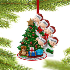 Present Peeking Family of 5 Ornament